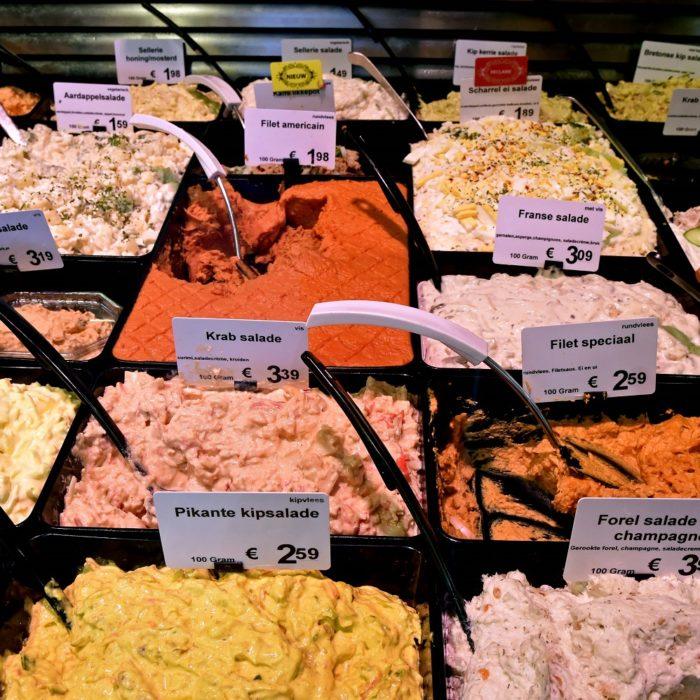 Vleeswaren, salades en tapas
